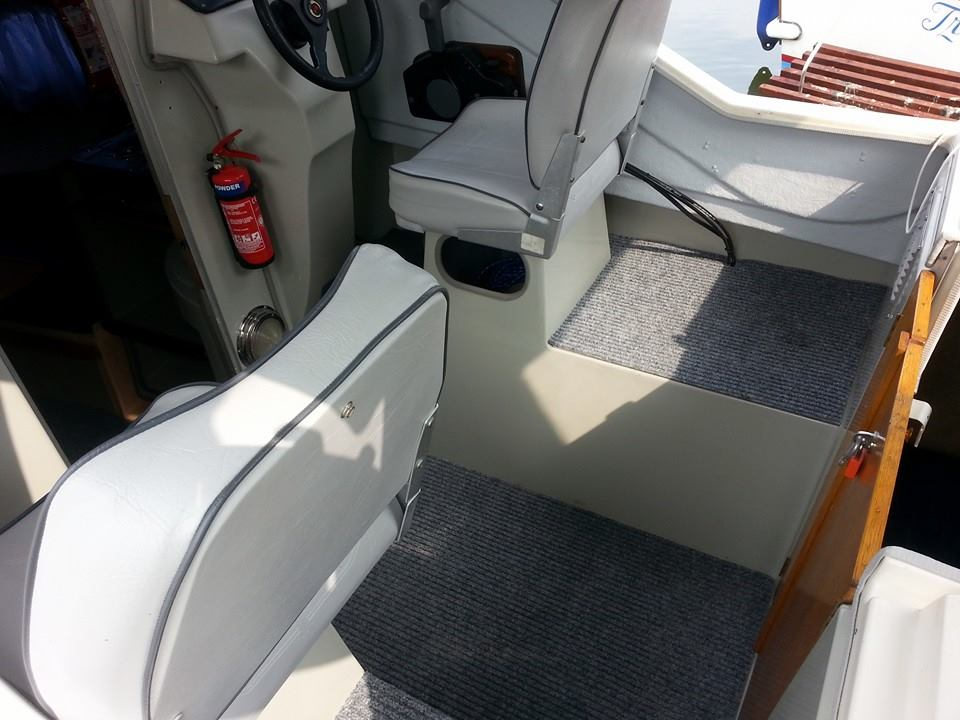 Photo - Centre cockpit after refurbishment